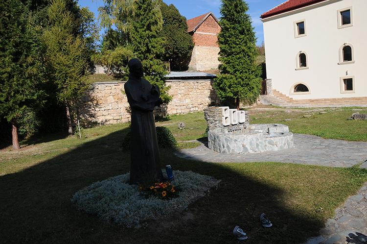 samostan_sv._franje_-_guca_gora_1_0.jpg